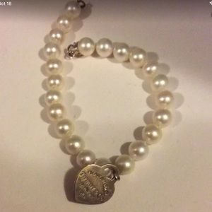 Return To Tiffany pearl bracelet